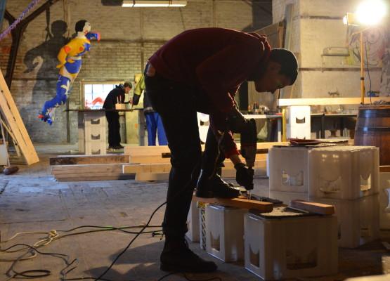 Nix für Dünnbrettbohrer: Um die Soulkitchen-Halle vor dem Bagger zu bewahren, muss einiges umgebaut werden. Bis zur Wiedereröffnung am 22. März soll die Halle wieder partytauglich sein.