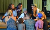 Songtexte schreiben, singen, tanzen - auf der Bühne beim TalentCampus in Wilhelmsburg ist Action angesagt