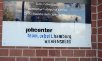 Das Jobcenter in Wilhelmsburg ist für viele Bedürftige ein gefürchteter Ort