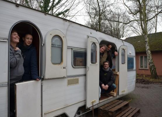 Sanne Neumuth, Christine Hill, Florian Tampe, Klaus Schmidt und Max Schütze freuen sich auf die Sauna-Saison