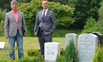 Bayram Inan und Mustafa Yasar auf dem Friedhof Finkenriek (Large)