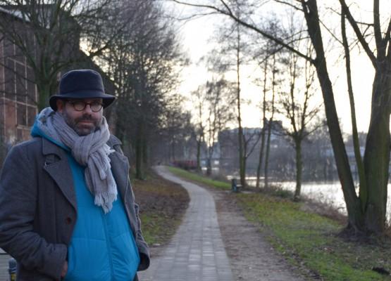 Marco Moreno am Ufer des Veringkanals